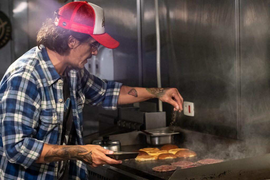 Curseria e Rogério Betti lançam curso sobre o hambúrguer perfeito Uncategorized