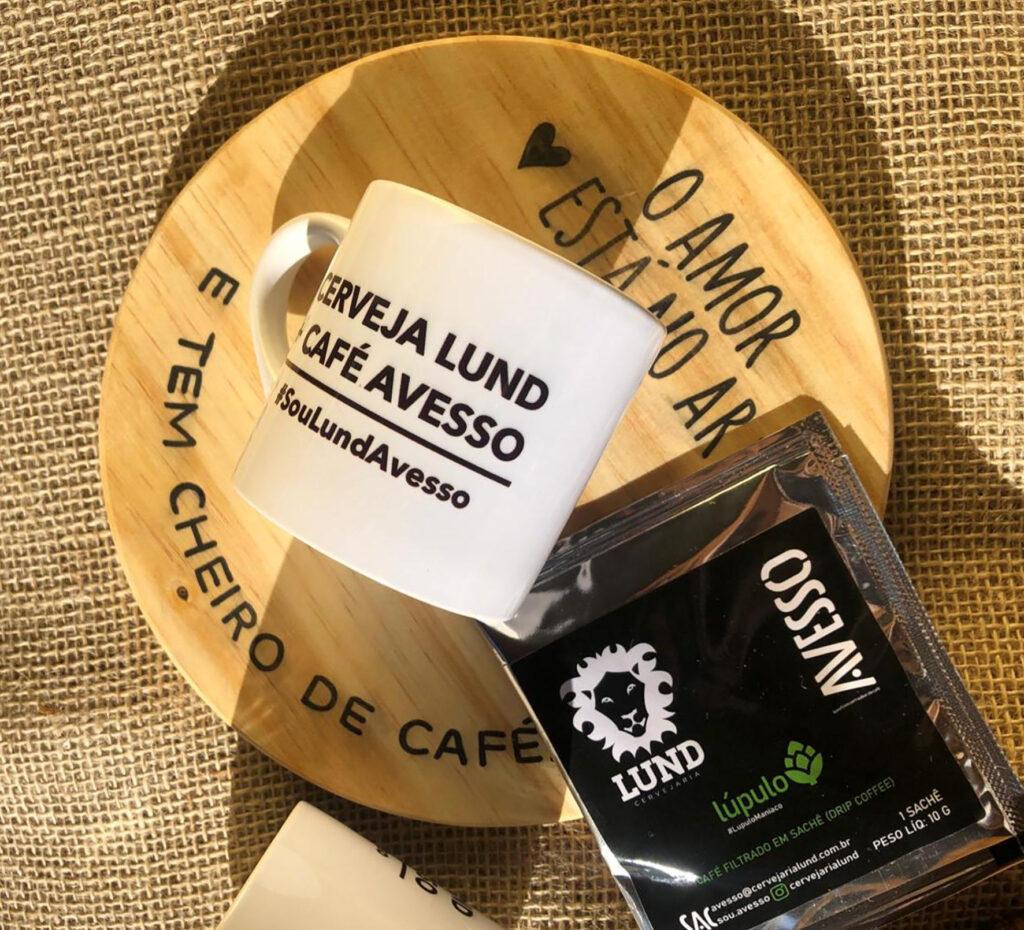 """Cervejaria Lund e Avesso formam collab e lançam """"Café com Lúpulo"""" Cafés Cervejarias Notícias"""